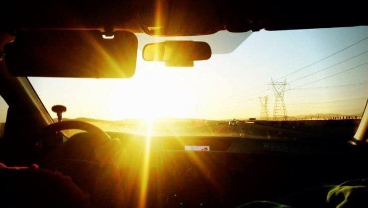 Что сделать водителю, чтобы солнце не слепило
