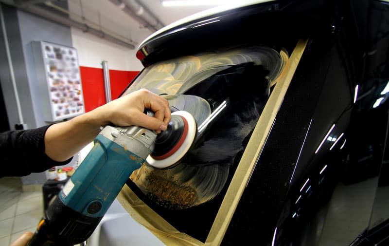 Полировка автомобильного стекла: как делают и зачем