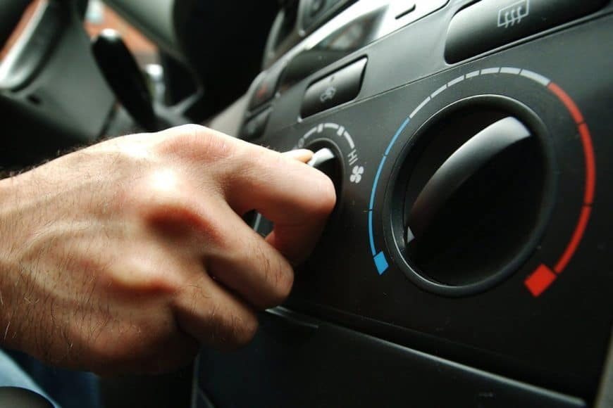 Как правильно прогревать автомобиль зимой, чтобы не лопнуло лобовое стекло