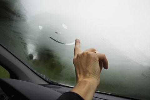 Неисправности автомобиля, из-за которых могут запотевать стекла