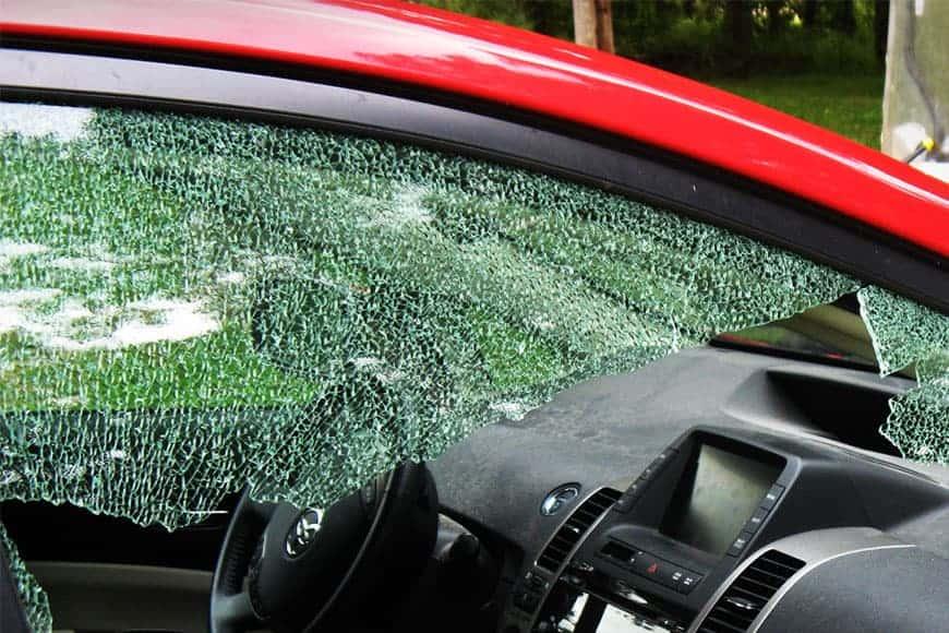 Классификация и специфика замены боковых стёкол автомобиля