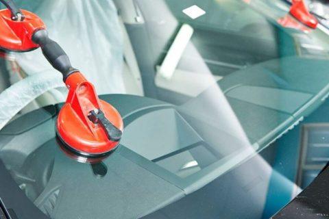 Как сэкономить при замене автостекла