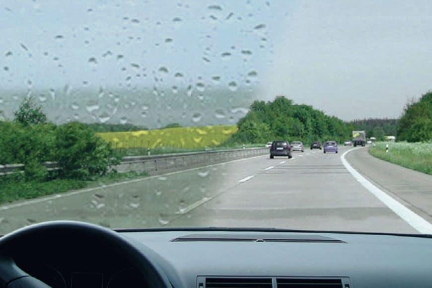 Антидождь для стекла автомобиля: повышаем свою безопасность в непогоду
